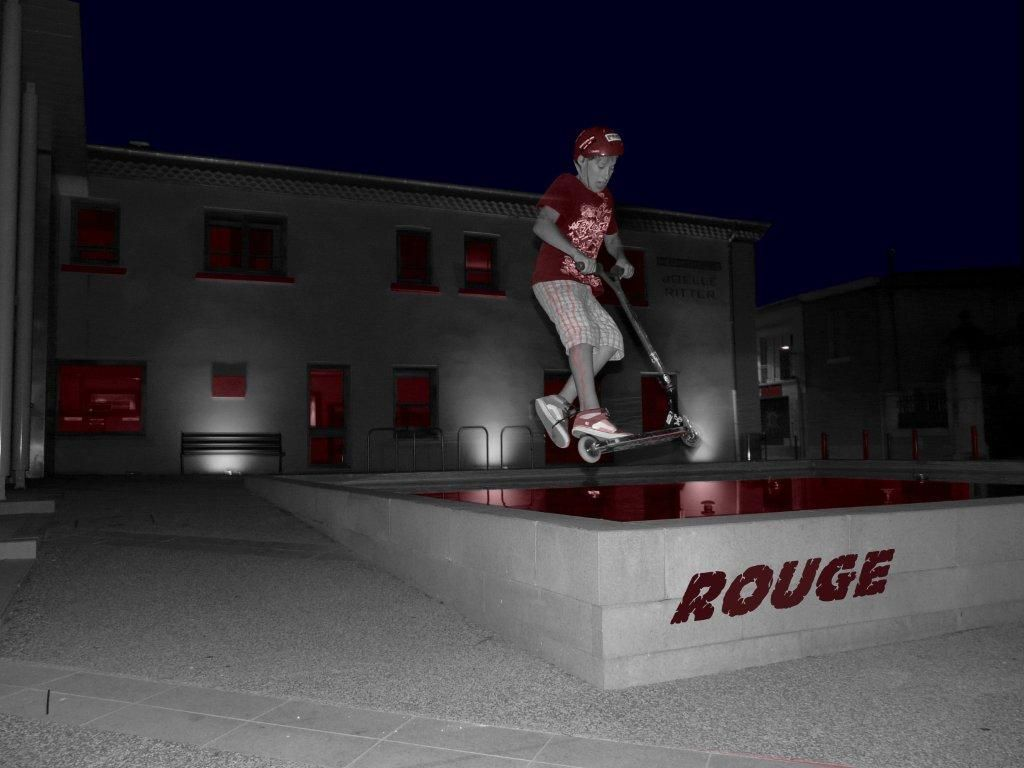 http://trotirider.com/forum/userimages/6/Projet-noir-rouge01.jpg