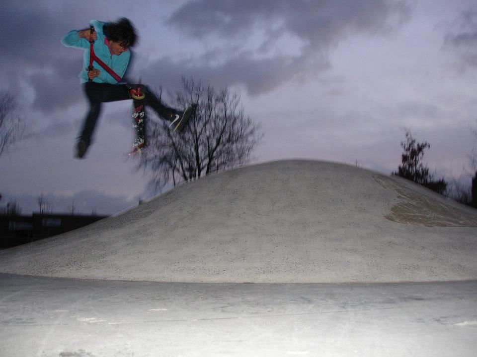 http://trotirider.com/forum/userimages/6/scooter-flip-1.jpg